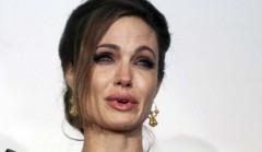 Angelina-Jolie-Larmes.jpg