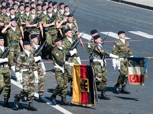 defile-de-la-brigade-franco-allemande.jpg