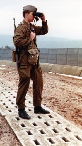 DDR_Grenzpatrouille.jpg