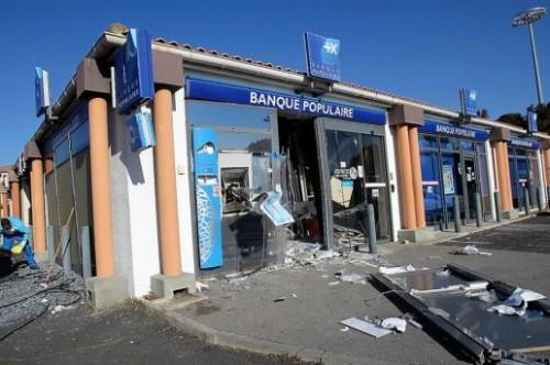 Banques explosif.jpg