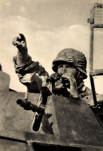 Feldstecher_panzer.jpg