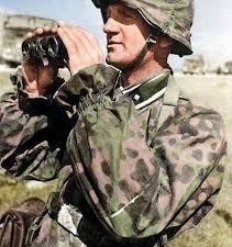 Soldat allemand_Jumelles.jpg