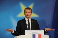 Macron_vide.jpg