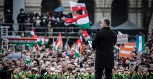 Orban_Foule.jpg