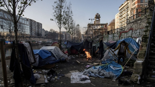 Migrants_Paris_Canal.jpg