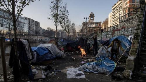Migrants_Paris_Canal.jpg
