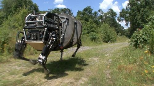 Robot militaire.jpg
