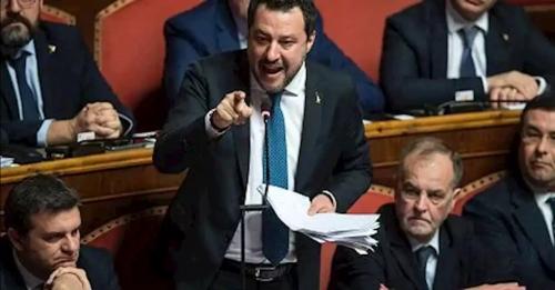 Salvini_Sénat.jpg