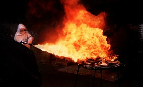 Pompier pyromane.jpg
