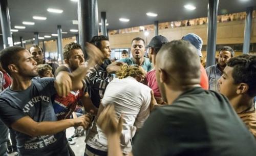 Migrants_agression sexuelle.jpg