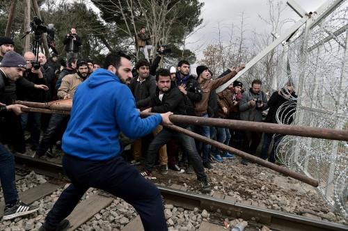 migrants macédoine 2.jpg