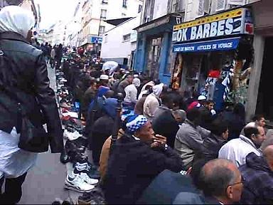 Prières de rue_Rue des Poissonniers.jpg