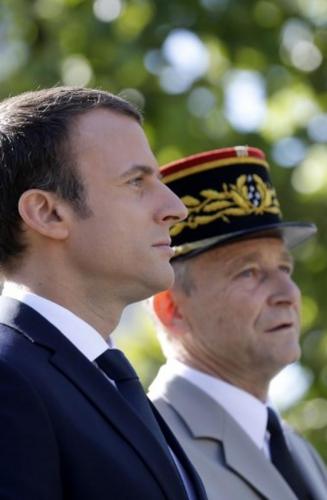 Macron_de Villiers.jpeg
