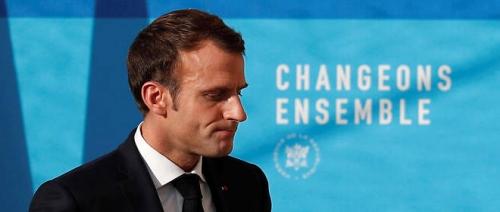 Macron_Chute.jpg