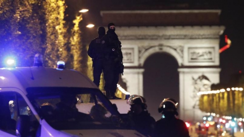 Terrorisme Champs Elysées.jpg