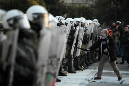 Grèce-Athènes-Manif 12 février 2012.jpg