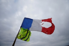drapeau-francais-gilet-jaune.jpg