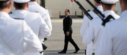 hollande chef de guerre.JPG
