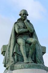 Statue_Lamarck.jpg